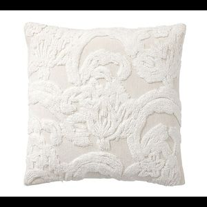 Pottery Barn 22inch Pillow Set Covers